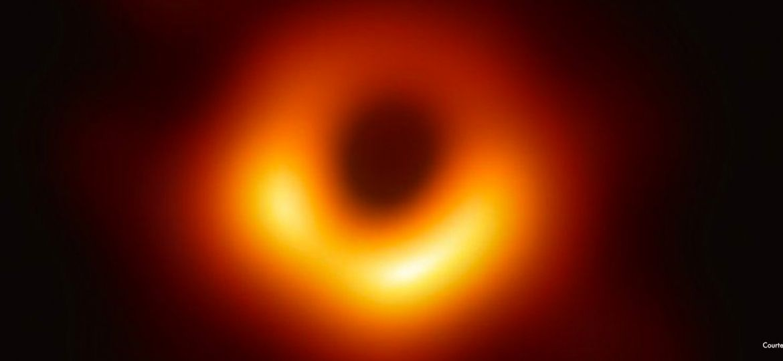 futurist_blackhole